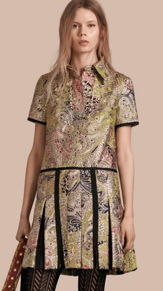 Robe chemise à motif floral métallisé tissé en jacquard