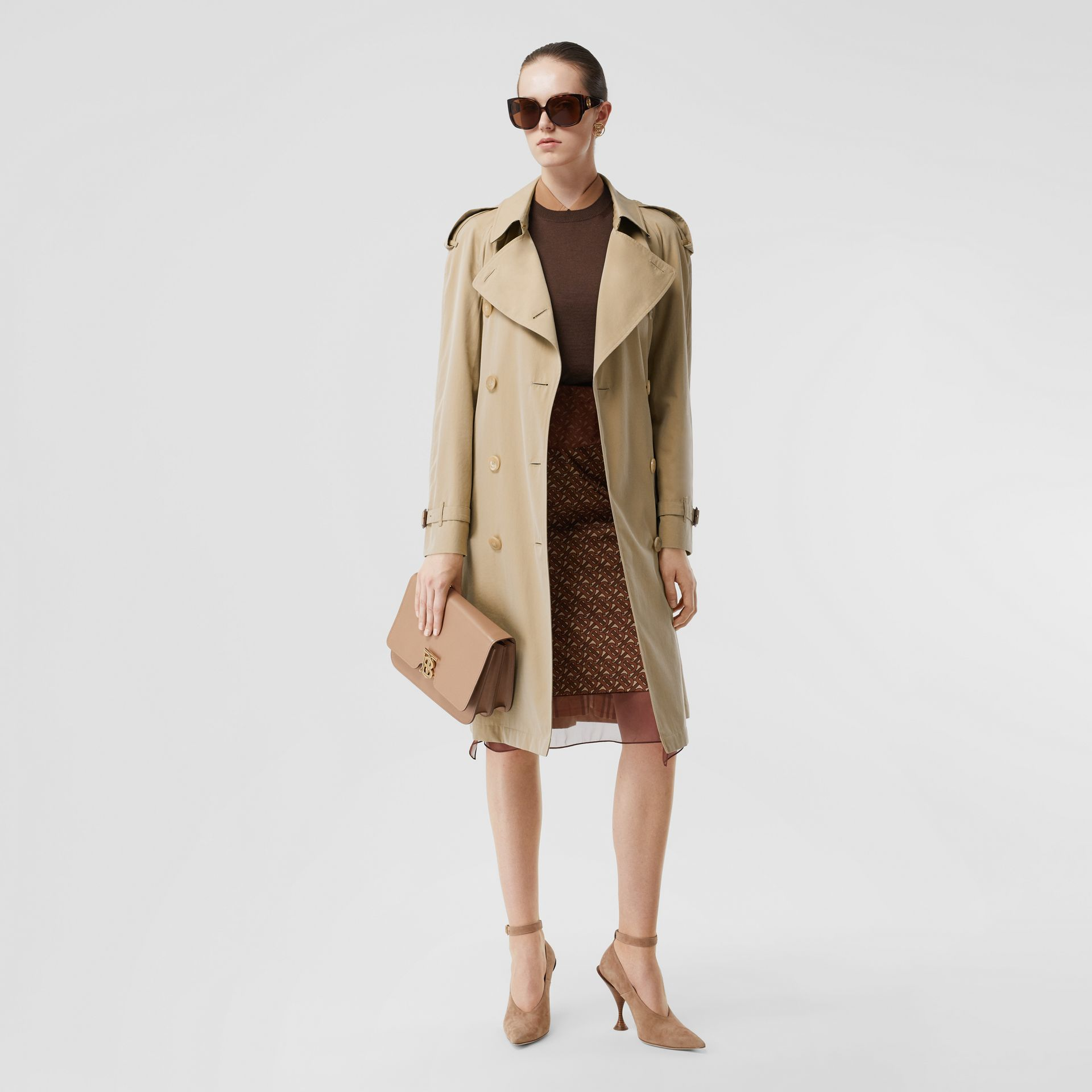 The Westminster Heritage Trench Coat in Honey - Women | Burberry United Kingdom - gallery image 6