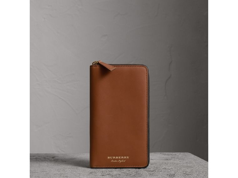 Trench Leather Ziparound Wallet in Tan - Men | Burberry Australia - cell image 4