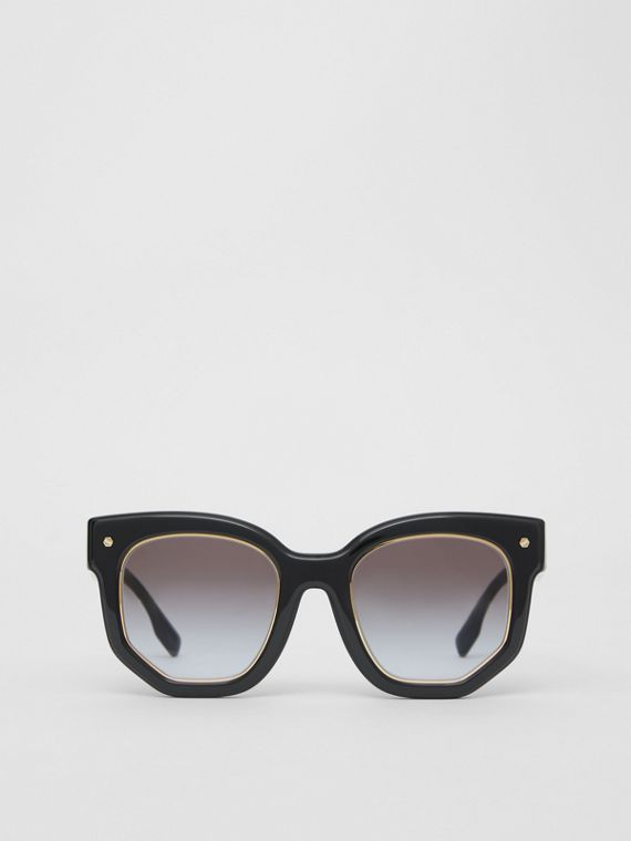 Geometric Frame Sunglasses in Black