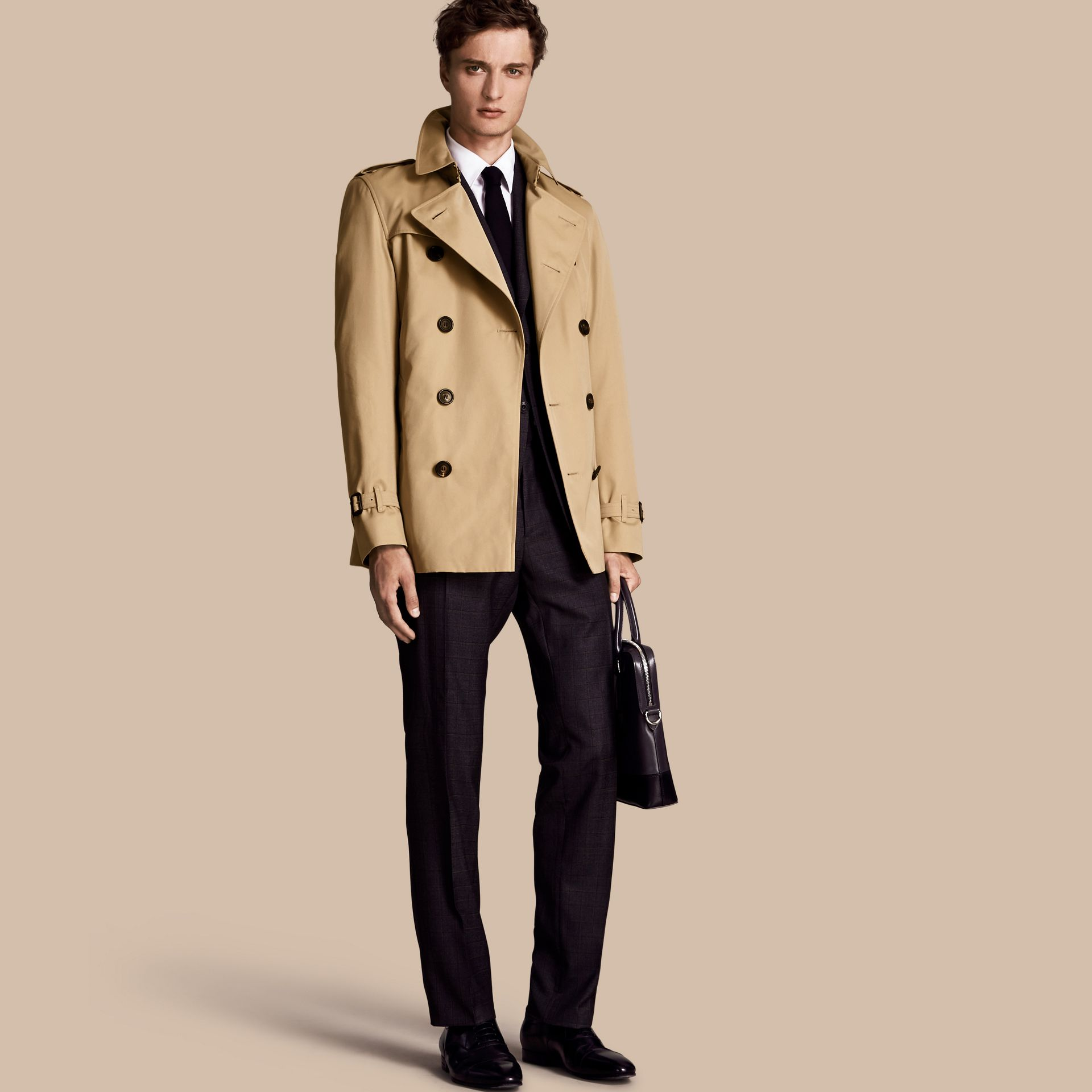 Miel The Kensington – Trench-coat Heritage court Miel - photo de la galerie 1