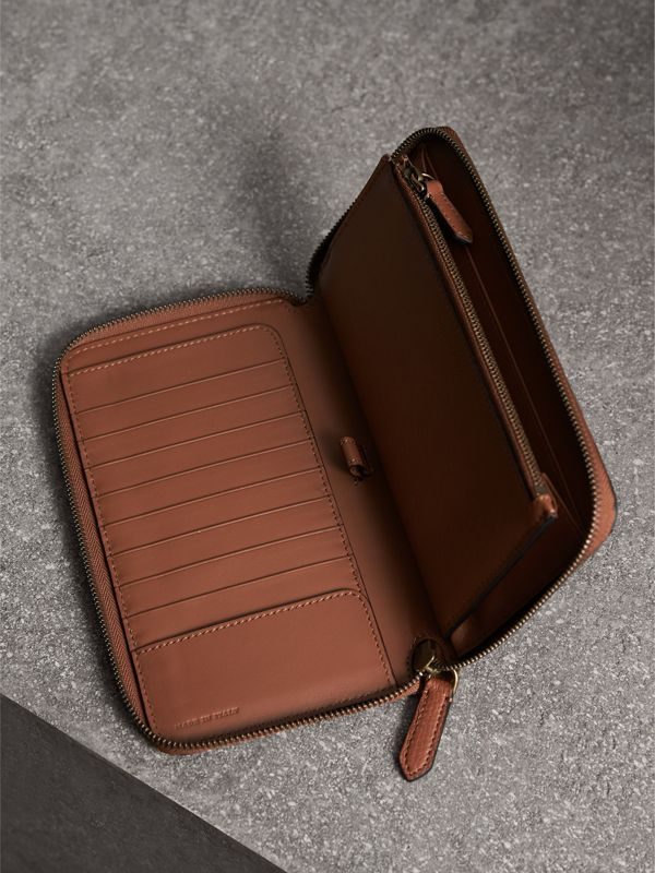 House Check and Grainy Leather Ziparound Wallet in Chestnut Brown | Burberry - cell image 3