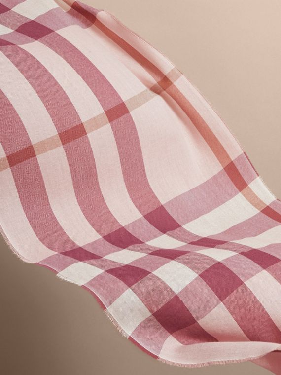 Lightweight Check Wool Cashmere Scarf in Chalk Pink | Burberry Canada - cell image 3