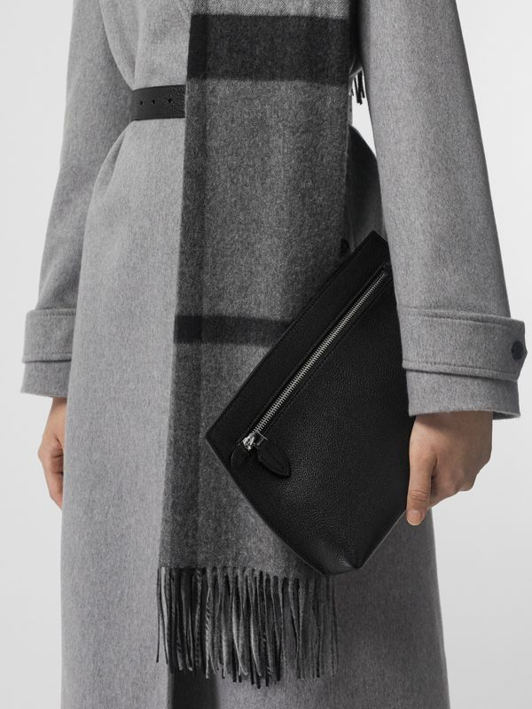 Grainy Leather Wristlet Clutch in Black - Women | Burberry Canada - cell image 3