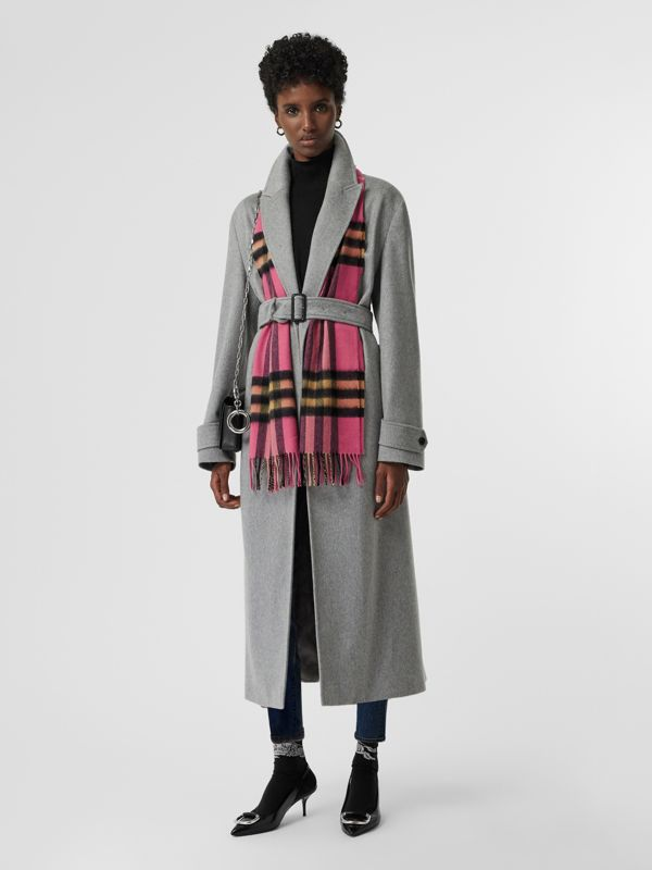 The Classic Check Cashmere Scarf in Bright Rose | Burberry United States - cell image 2