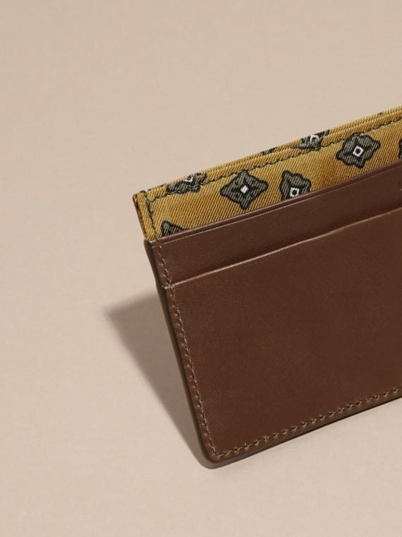 Marrone seppia Porta carte di credito in pelle con stampa geometrica a riquadri Marrone Seppia - cell image 3
