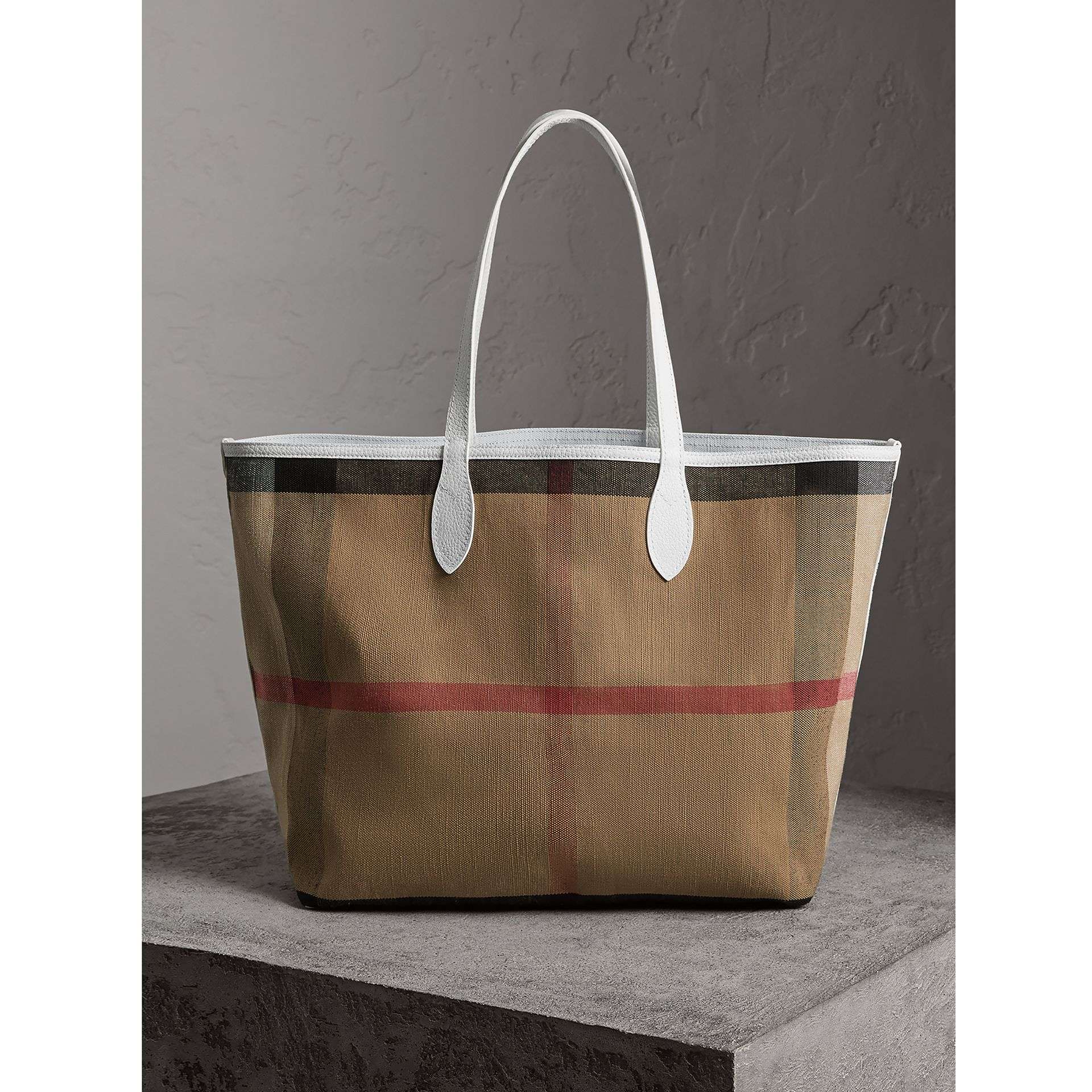 The Large Reversible Doodle Tote in White - Women | Burberry - gallery image 7