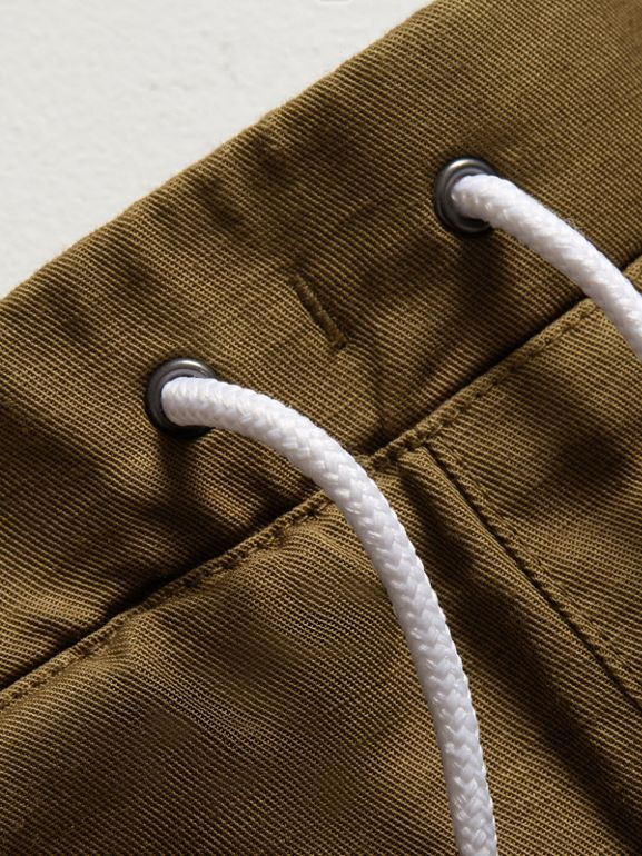 Drawcord Cotton Linen Twill Shorts in Olive | Burberry United Kingdom - cell image 1