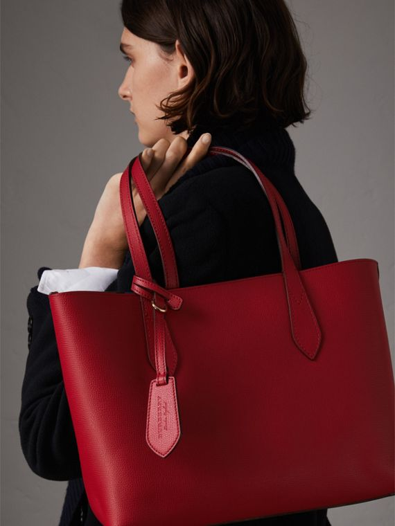 The Small Reversible Tote in Trompe L'oeil Print in Poppy Red - Women | Burberry - cell image 3