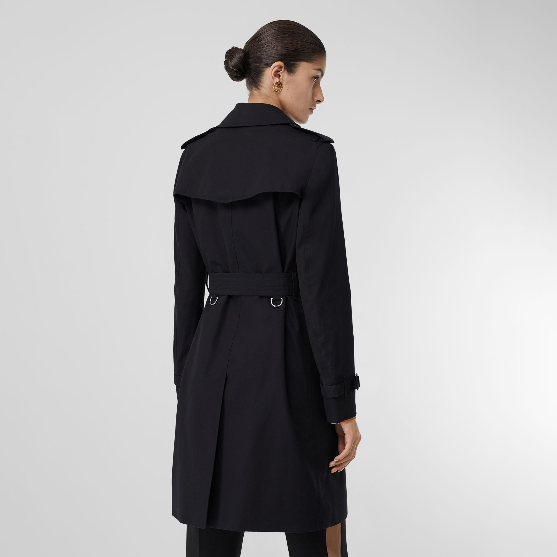 The Kensington Heritage Trench Coat in Midnight - Women | Burberry - gallery image 2