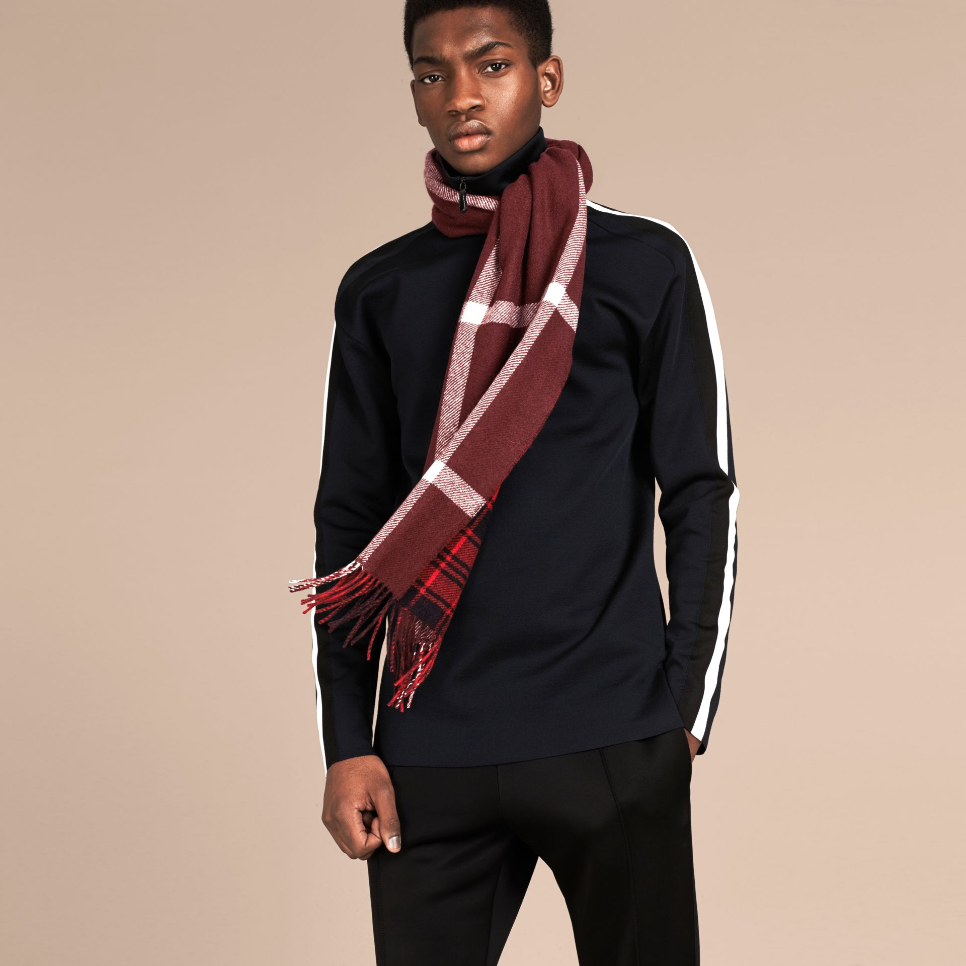 Deep red The Reversible Cashmere Scarf in Tartan Check Deep Red - gallery image 3