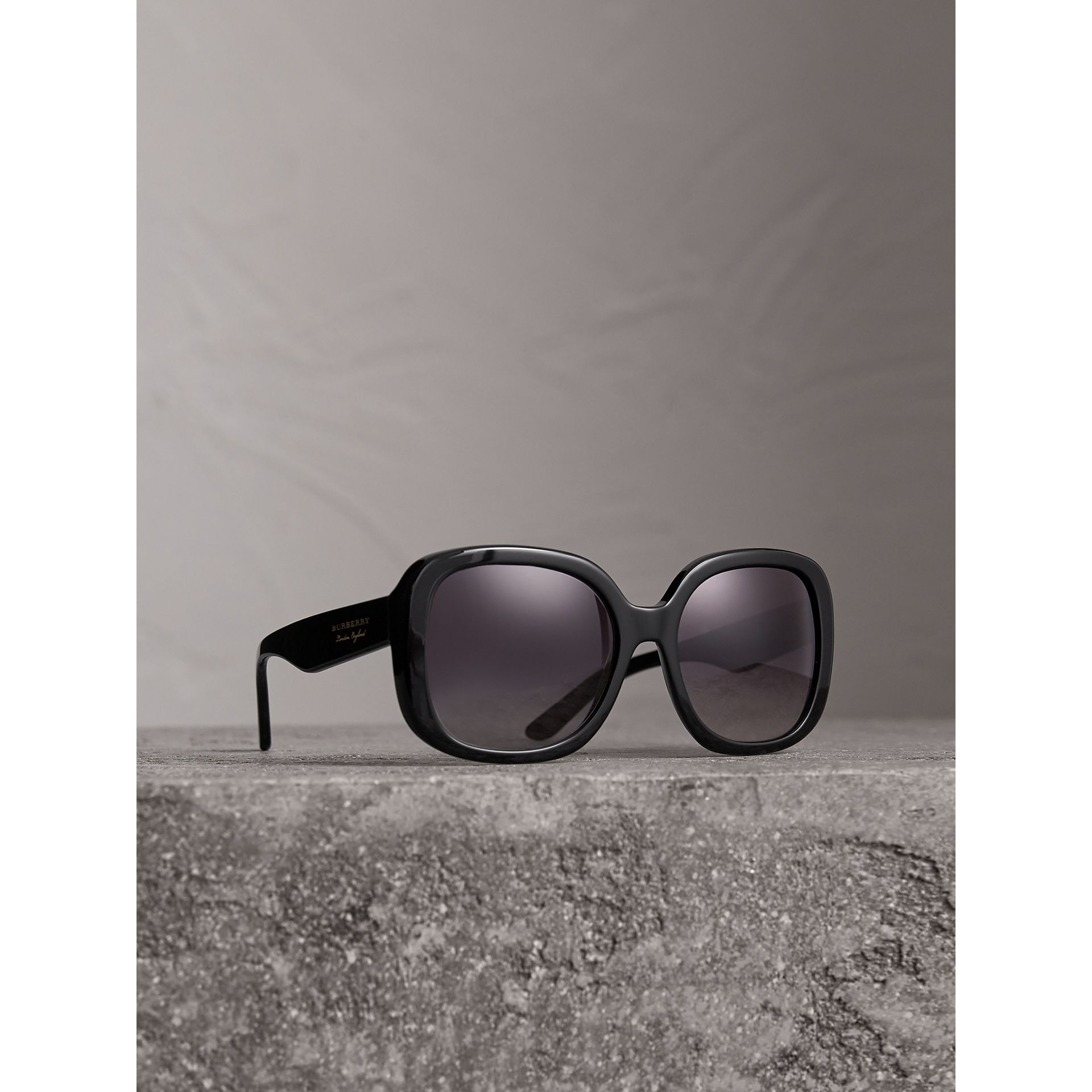 Square Frame Sunglasses in Black - Women | Burberry Australia - gallery image 0
