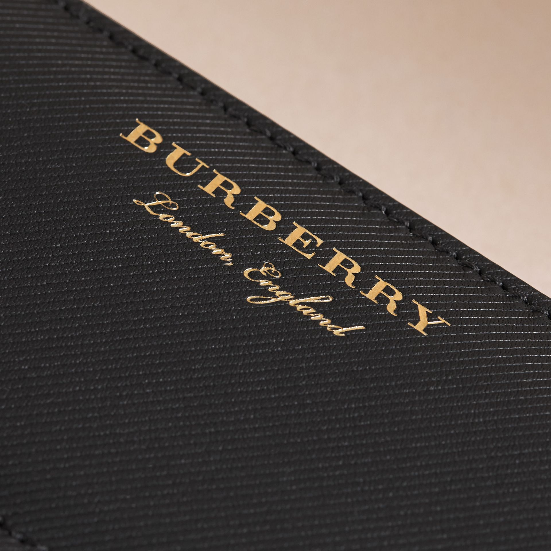 Trench Leather Ziparound Wallet in Black - Women | Burberry - gallery image 2