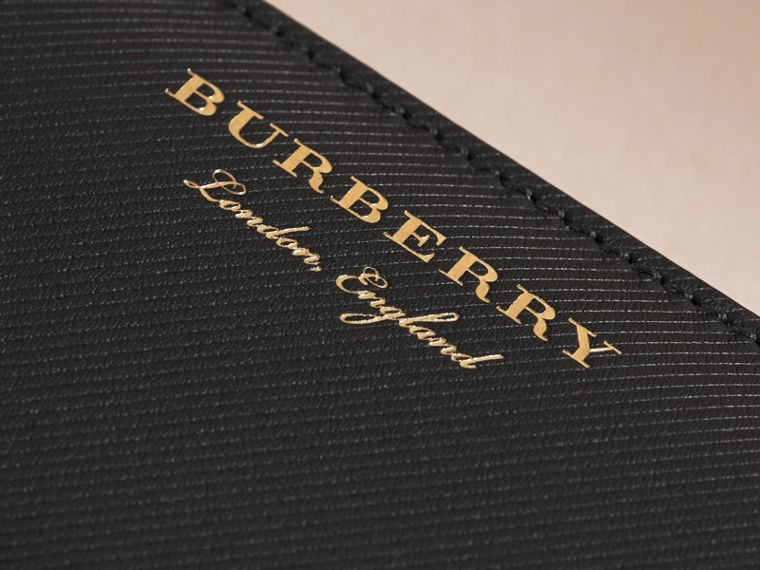 Trench Leather Ziparound Wallet in Black - Women | Burberry Hong Kong - cell image 1
