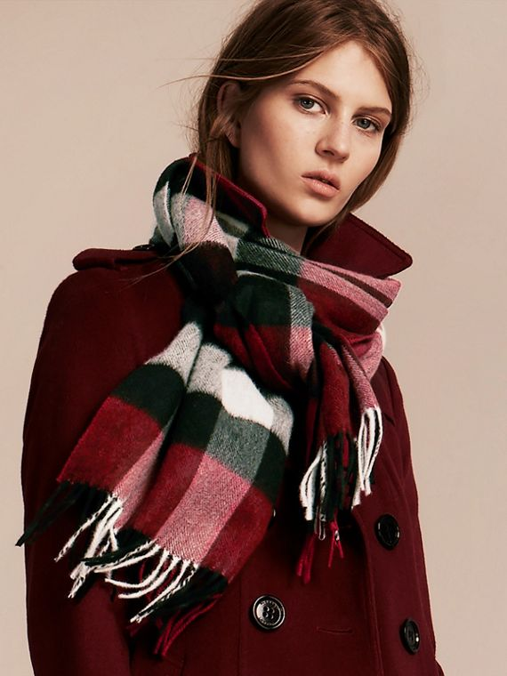 Parade red check The Large Classic Cashmere Scarf in Check Parade Red - cell image 2