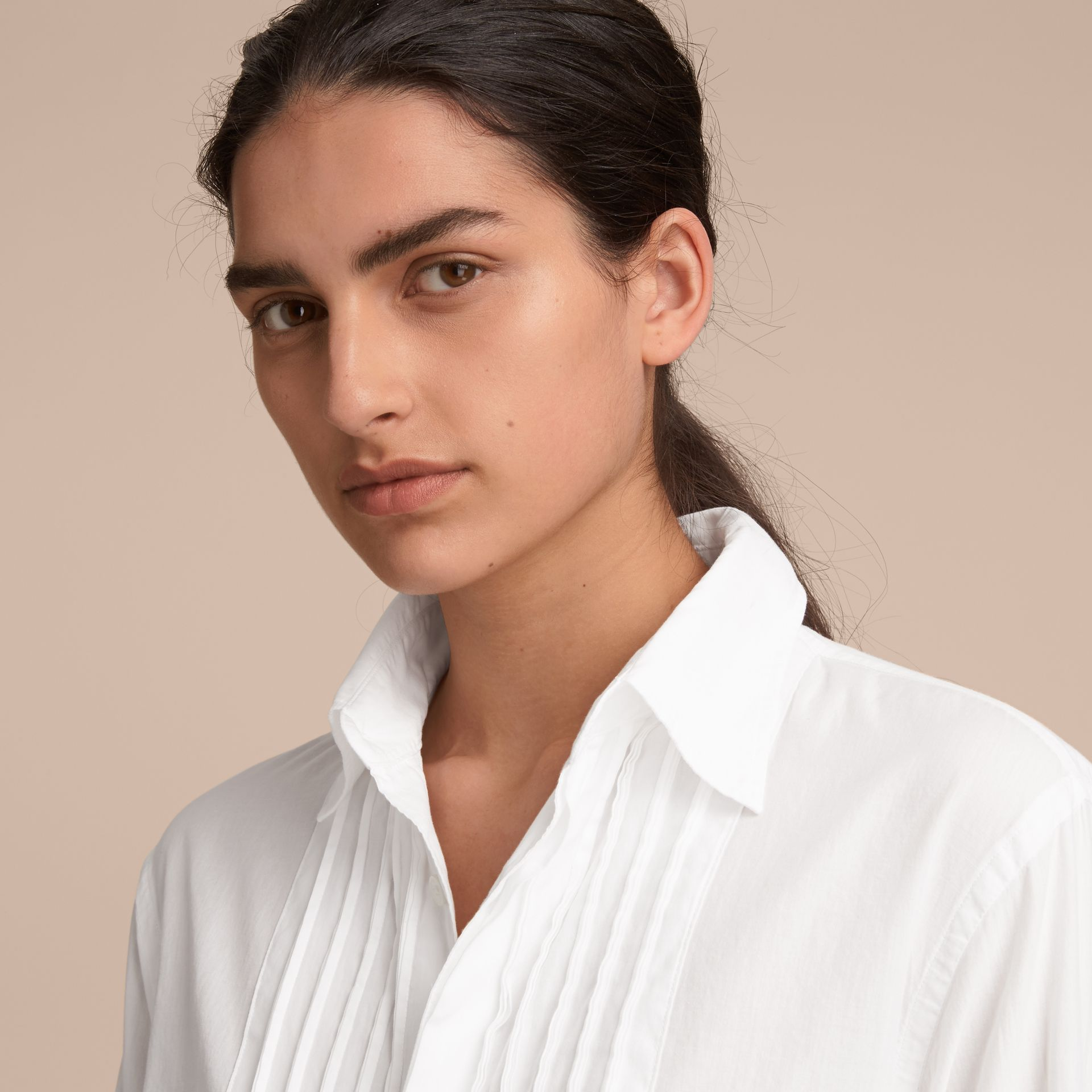 Unisex Double-cuff Pintuck Bib Cotton Shirt White - gallery image 5