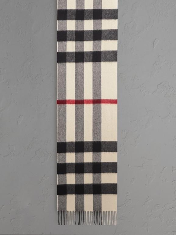 Der große klassische Kaschmirschal mit Check-Muster (Weiss) | Burberry - cell image 1