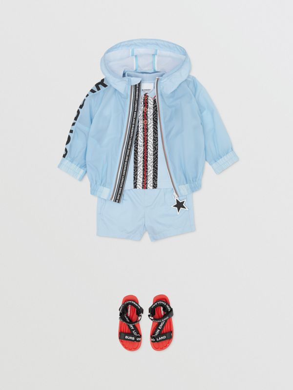 Star Detail Logo Print Lightweight Hooded Jacket in Light Blue - Children | Burberry United Kingdom - cell image 3