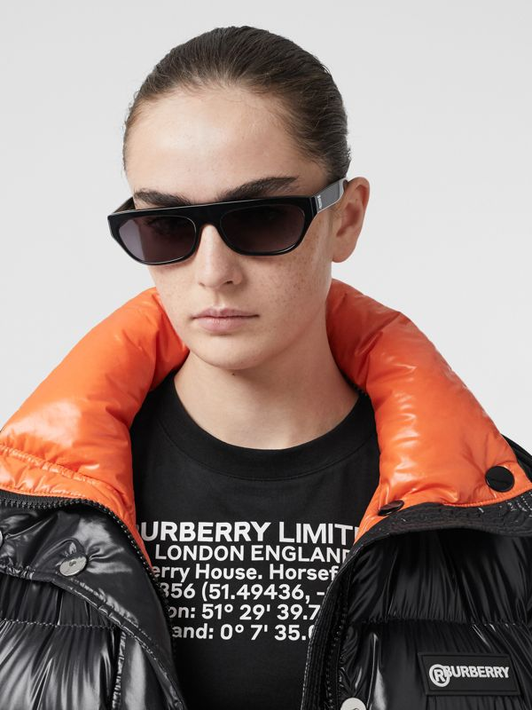 Monogram Motif Rectangular Frame Sunglasses in Black - Women | Burberry Canada - cell image 2