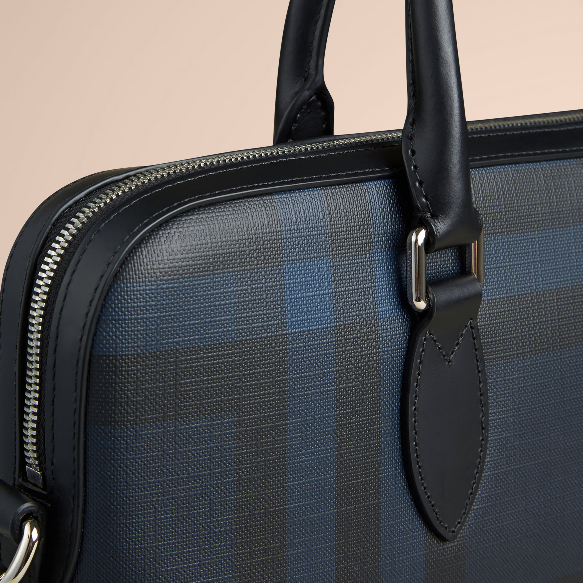 The Barrow in London Check in Navy/black - Men | Burberry United Kingdom - gallery image 5