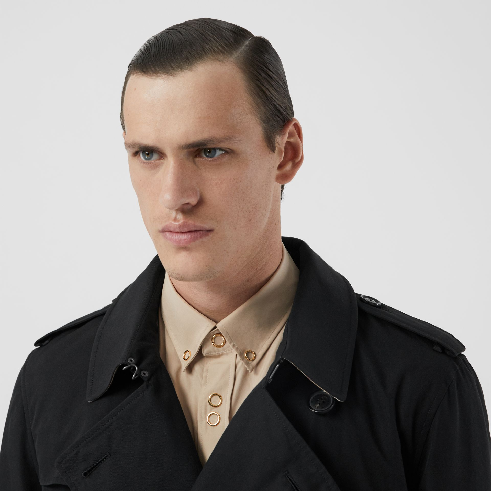 The Kensington Heritage Trench Coat in Black | Burberry - gallery image 11