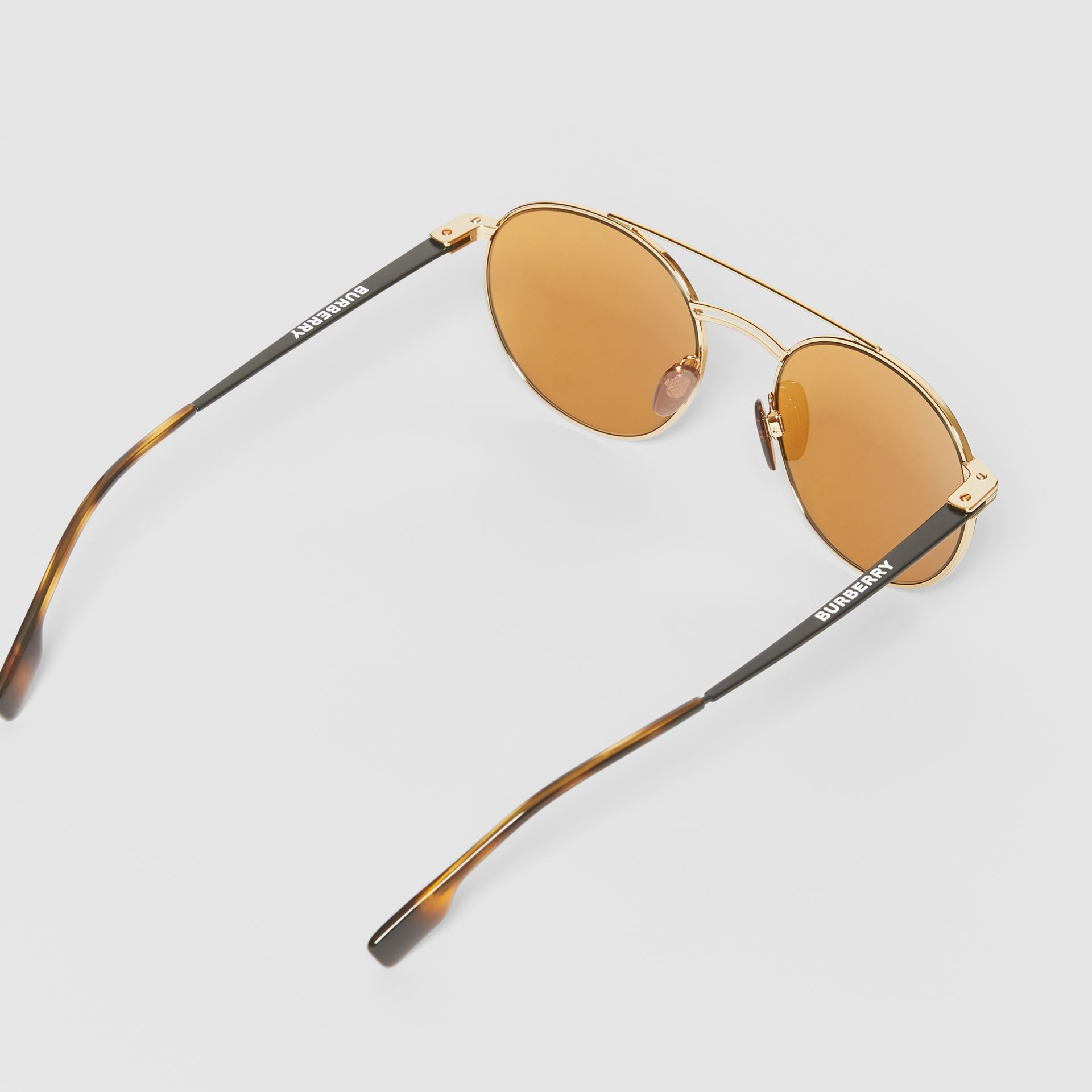 Top Bar Detail Round Frame Sunglasses in Tortoiseshell - Men | Burberry United Kingdom - gallery image 4