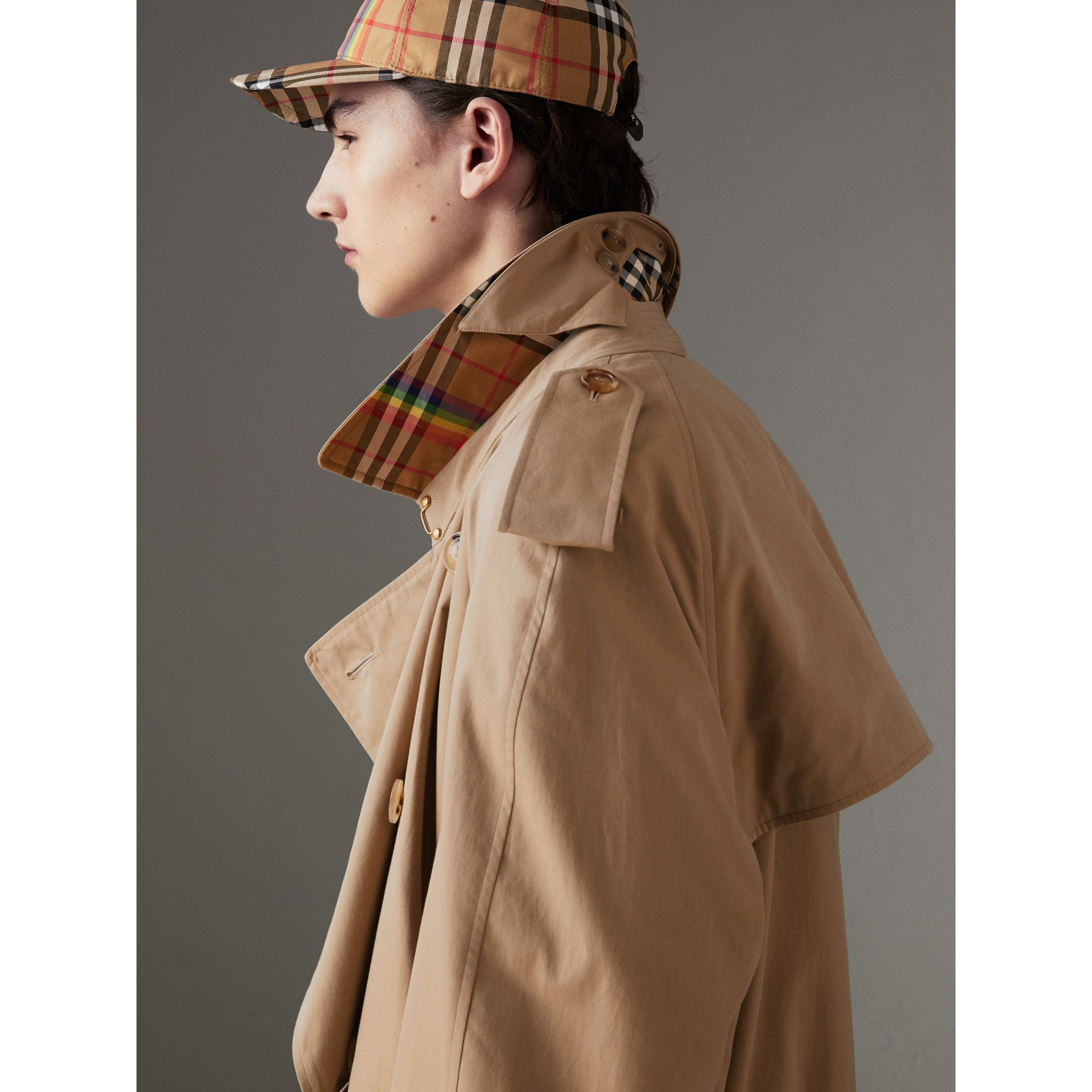Trench en gabardine tropicale (Miel) | Burberry - photo de la galerie 1