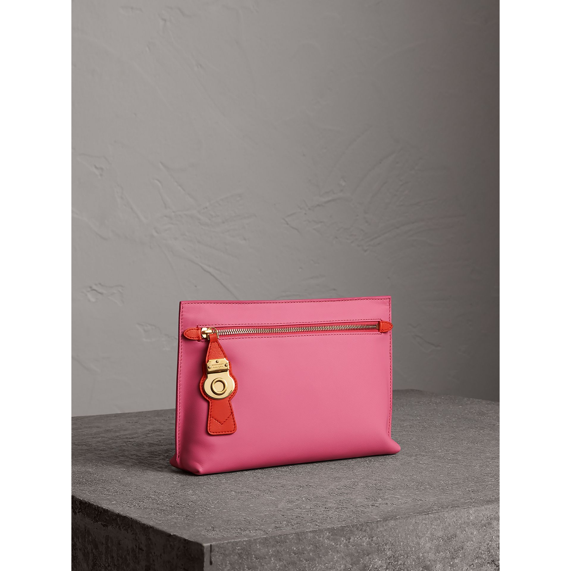 Two-tone Trench Leather Wristlet Pouch in Rose Pink - Women | Burberry - gallery image 4