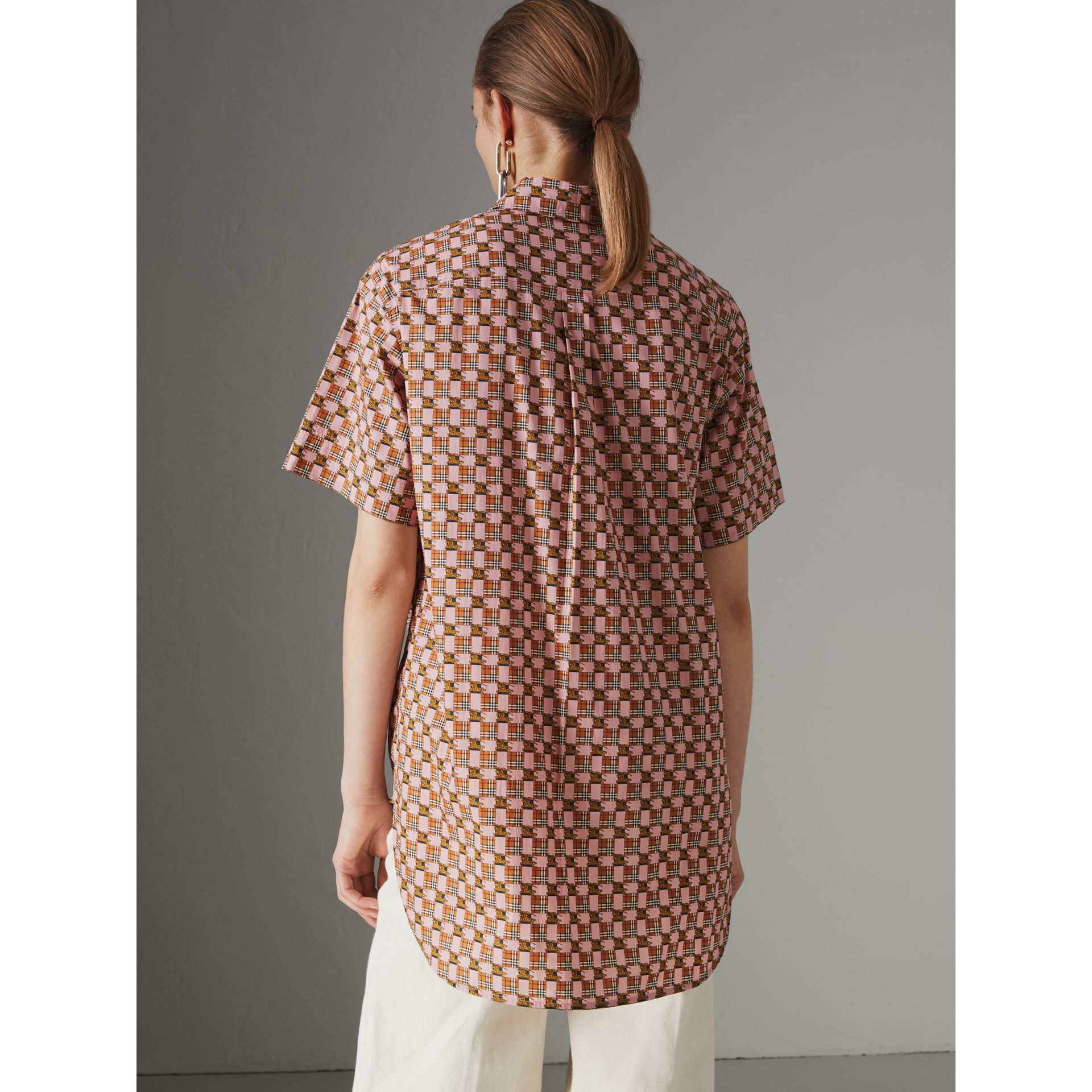 Short-sleeve Tiled Archive Print Cotton Shirt in Pink - Women | Burberry Australia - gallery image 2