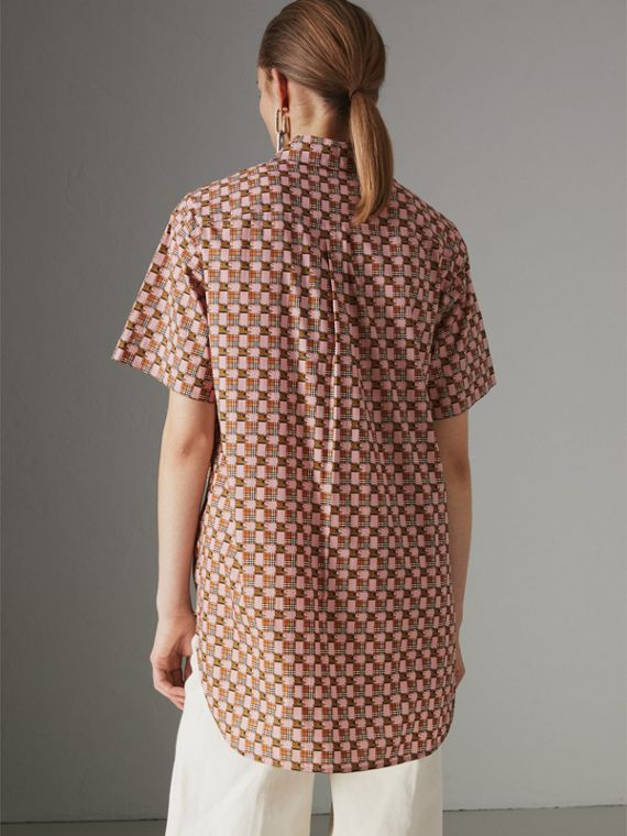 Short-sleeve Tiled Archive Print Cotton Shirt in Pink - Women | Burberry - cell image 2