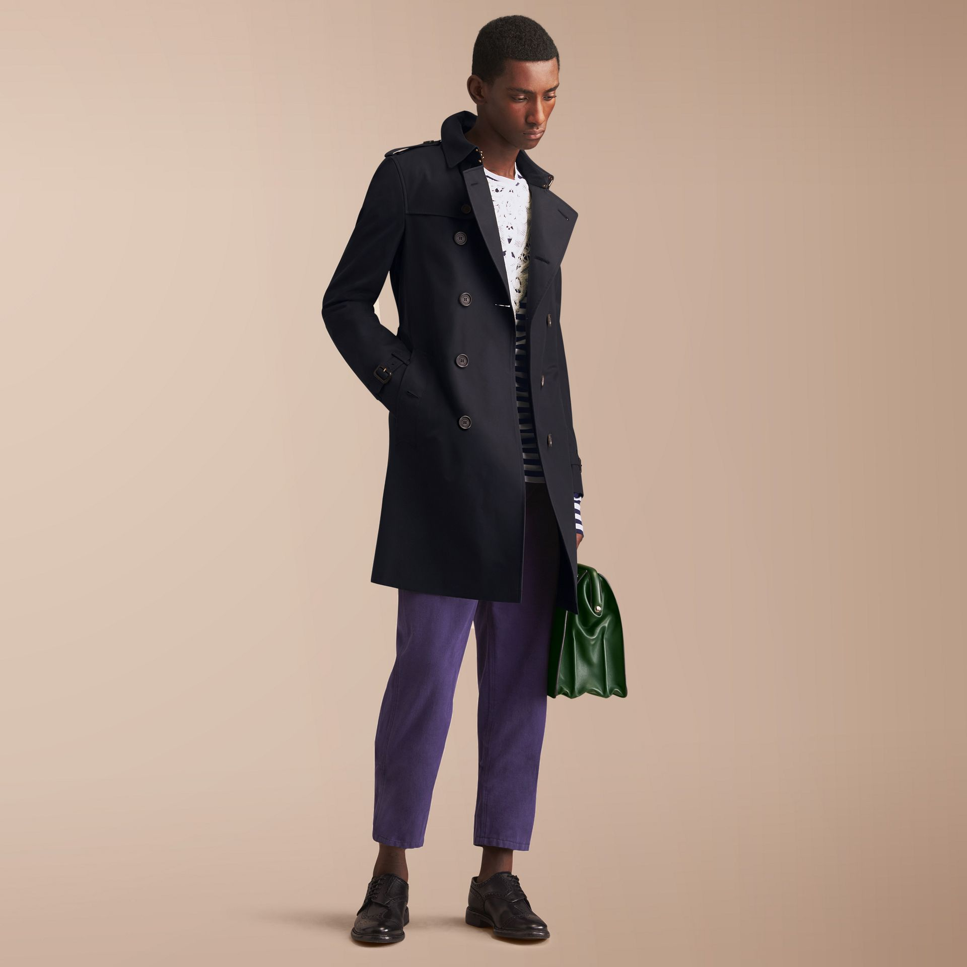 The Chelsea – Long Heritage Trench Coat in Navy - Men | Burberry - gallery image 1