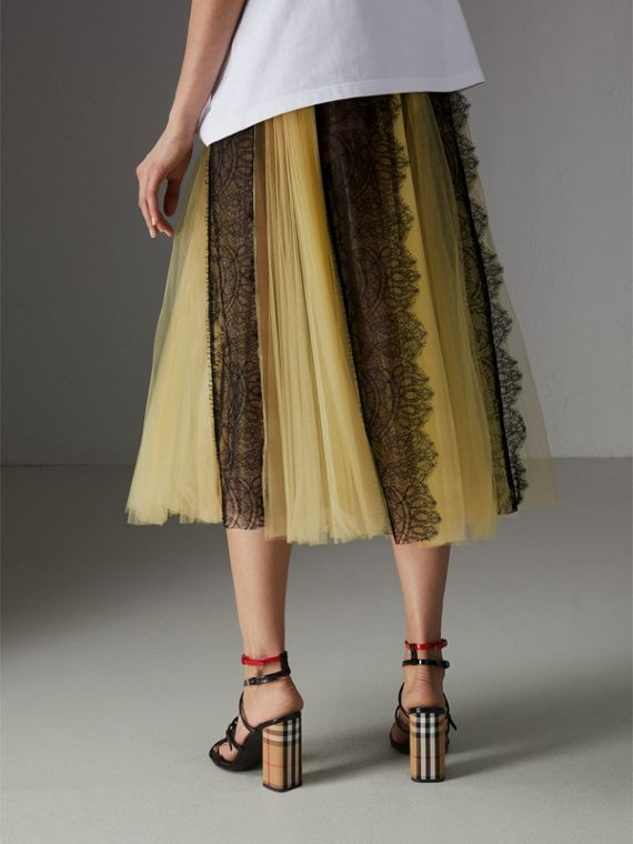 Gonna in tulle a pieghe con inserti in pizzo (Giallo) - Donna | Burberry - cell image 2