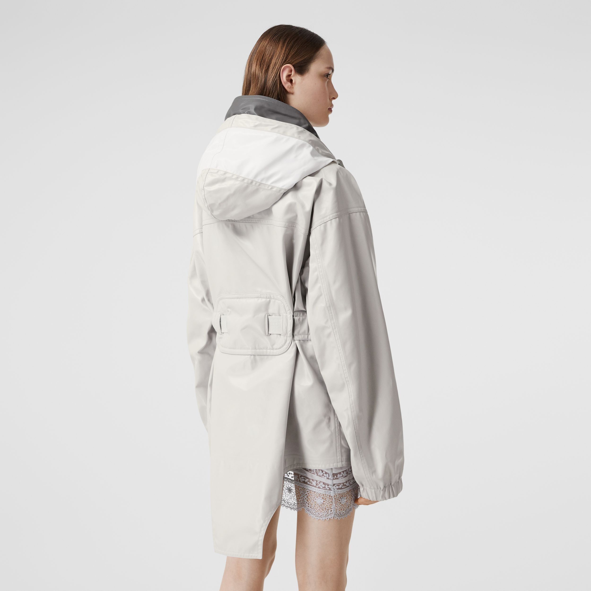 Cut-out Hem Coated Nylon Parka in Light Pebble Grey - Women | Burberry Singapore - 2