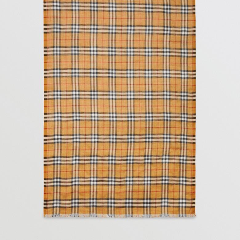 Burberry - Écharpe légère en laine et soie à motif Vintage check - 7