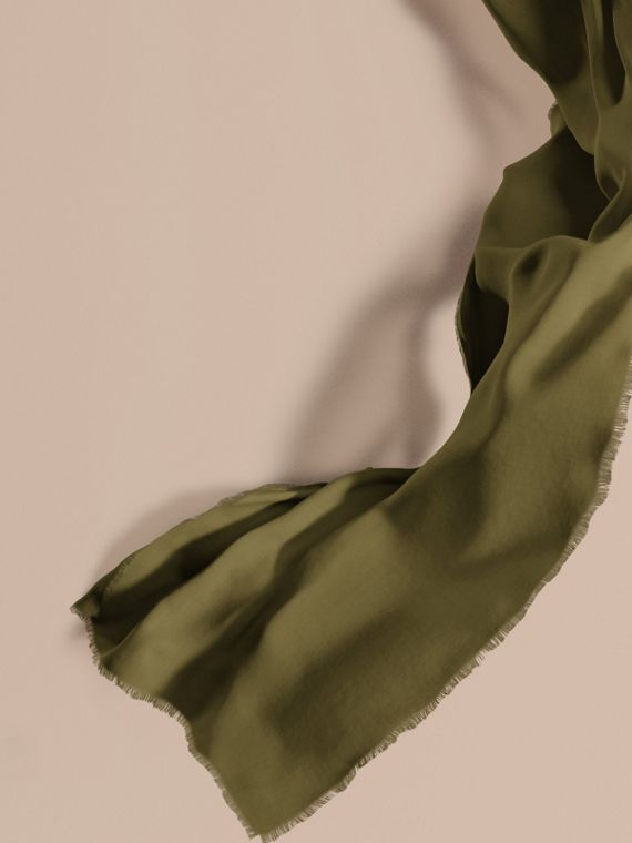 The Lightweight Cashmere Scarf Olive Green