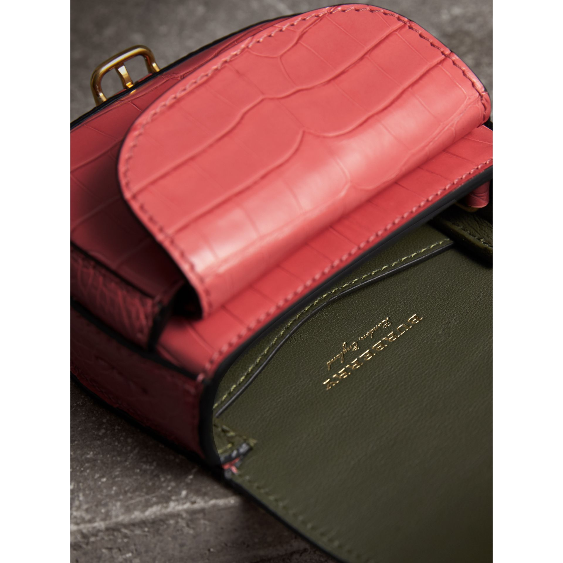 The Pocket Satchel aus Alligatorleder (Azaleenrosa) | Burberry - Galerie-Bild 4