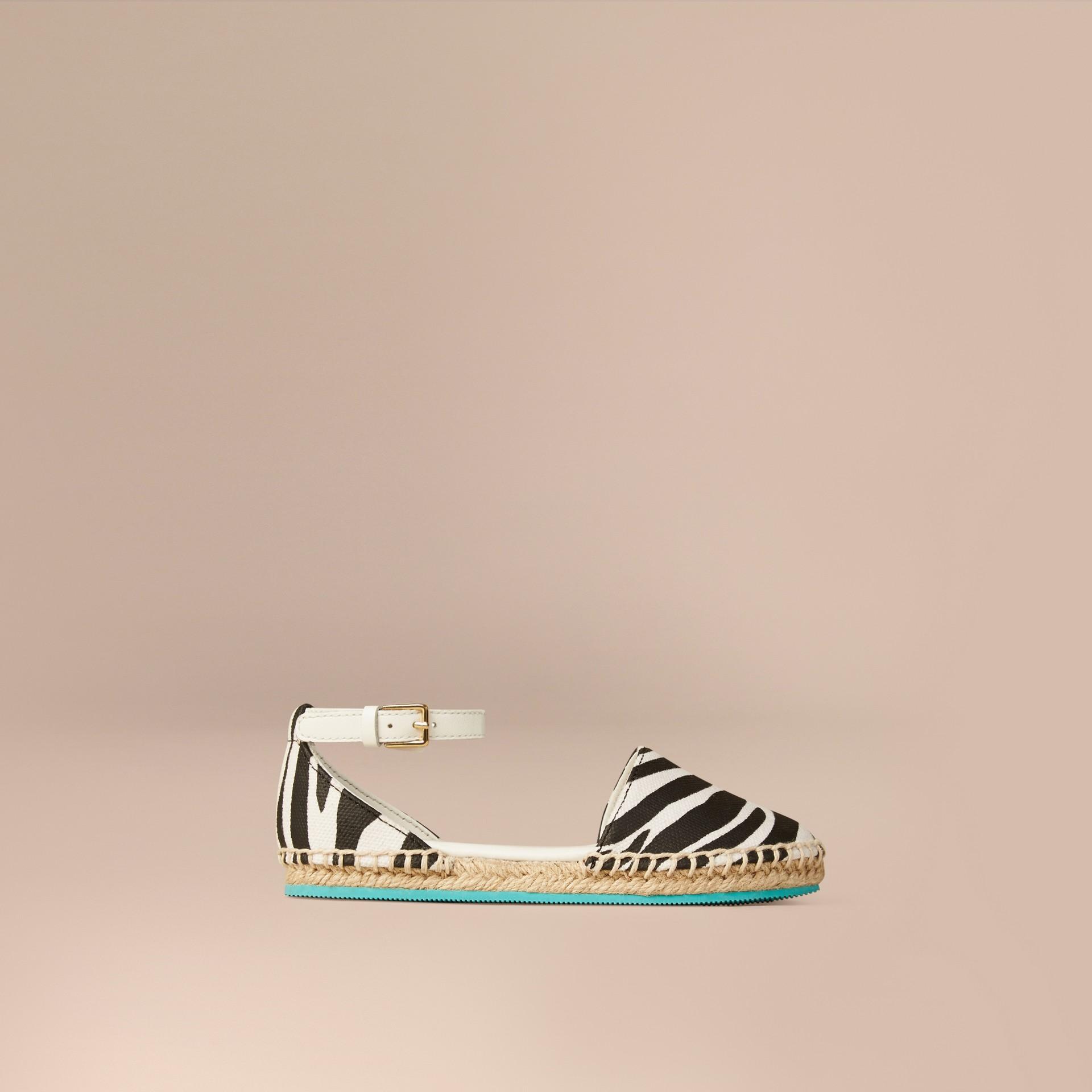 Черный / белый Эспадрильи с принтом «зебра» - изображение 1