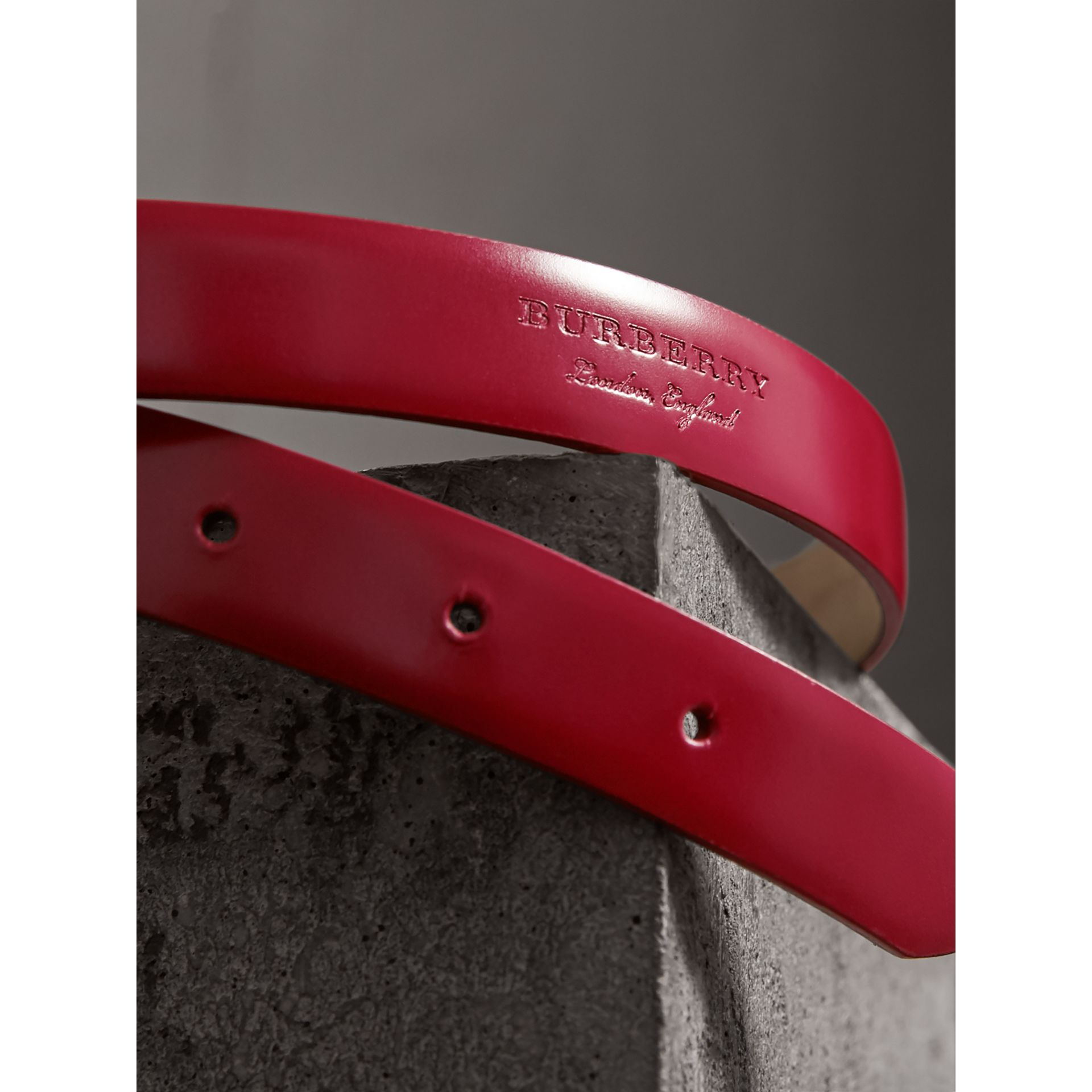 Plaque Buckle Leather Belt in Parade Red - Women | Burberry - gallery image 2
