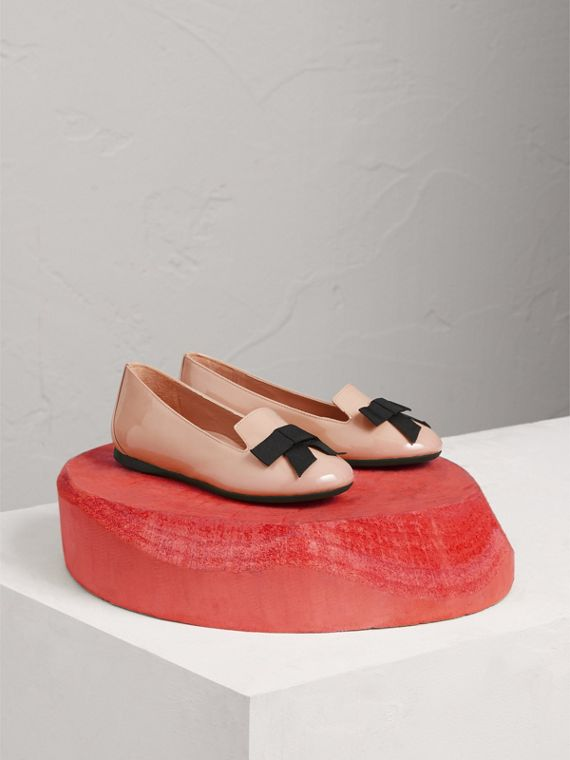 Bow Detail Patent Leather Ballerinas in Apricot Pink