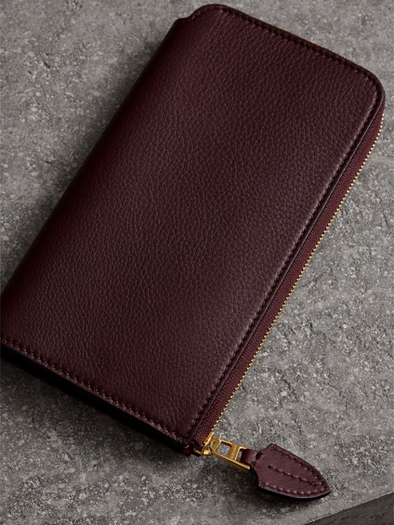 Two-tone Leather Ziparound Wallet and Coin Case in Deep Claret - Women | Burberry - cell image 2