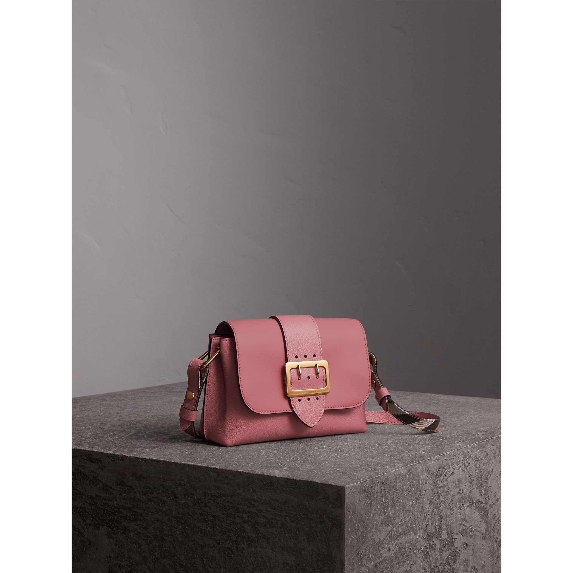 The Buckle Crossbody Bag in Leather in Dusty Pink - Women | Burberry Canada - gallery image 7