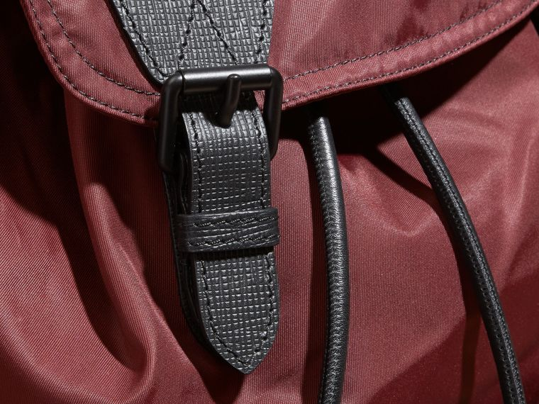 The Large Rucksack in Technical Nylon and Leather Burgundy Red - cell image 4