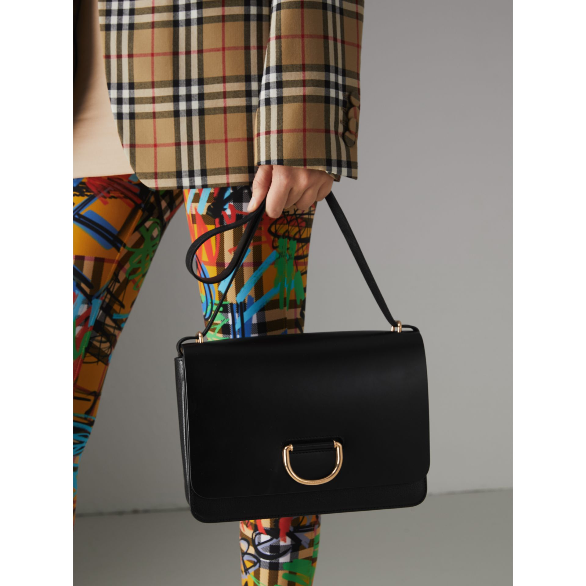 Sac The D-ring moyen en cuir (Noir) - Femme | Burberry - photo de la galerie 3