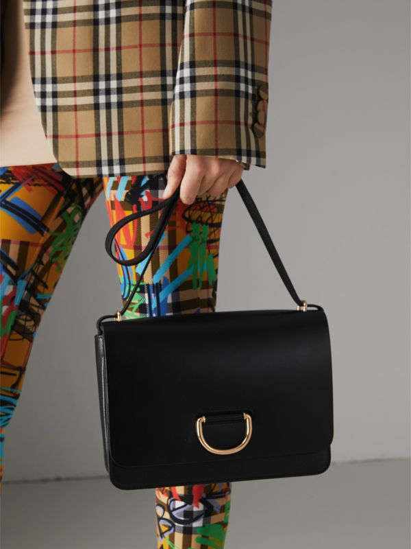The Medium Leather D-ring Bag in Black - Women | Burberry Singapore - cell image 3