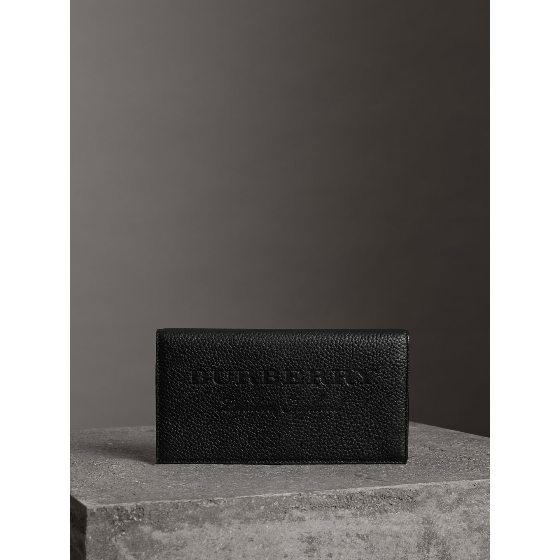 Portefeuille continental en cuir estampé (Noir) - Femme | Burberry - photo de la galerie 4