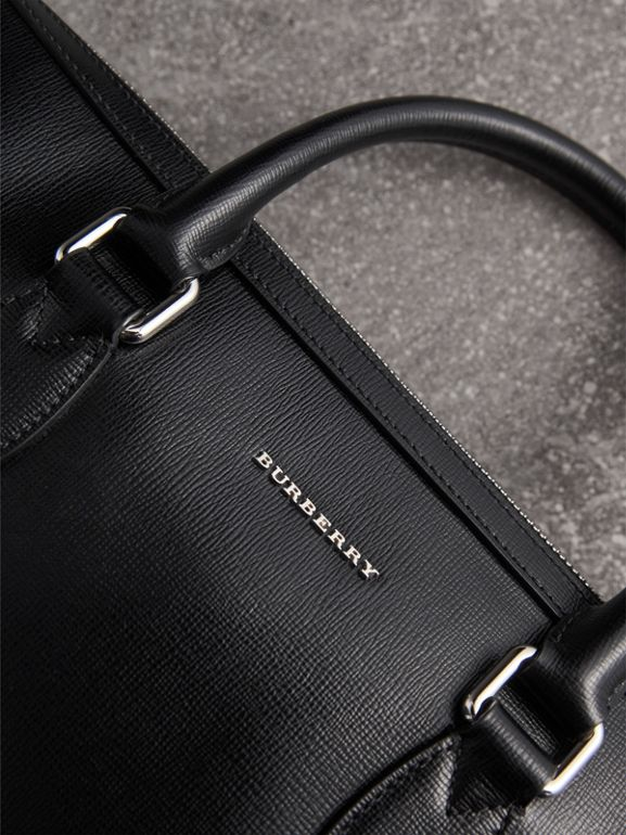 The Slim Barrow in London Leather in Black - Men | Burberry United Kingdom - cell image 1