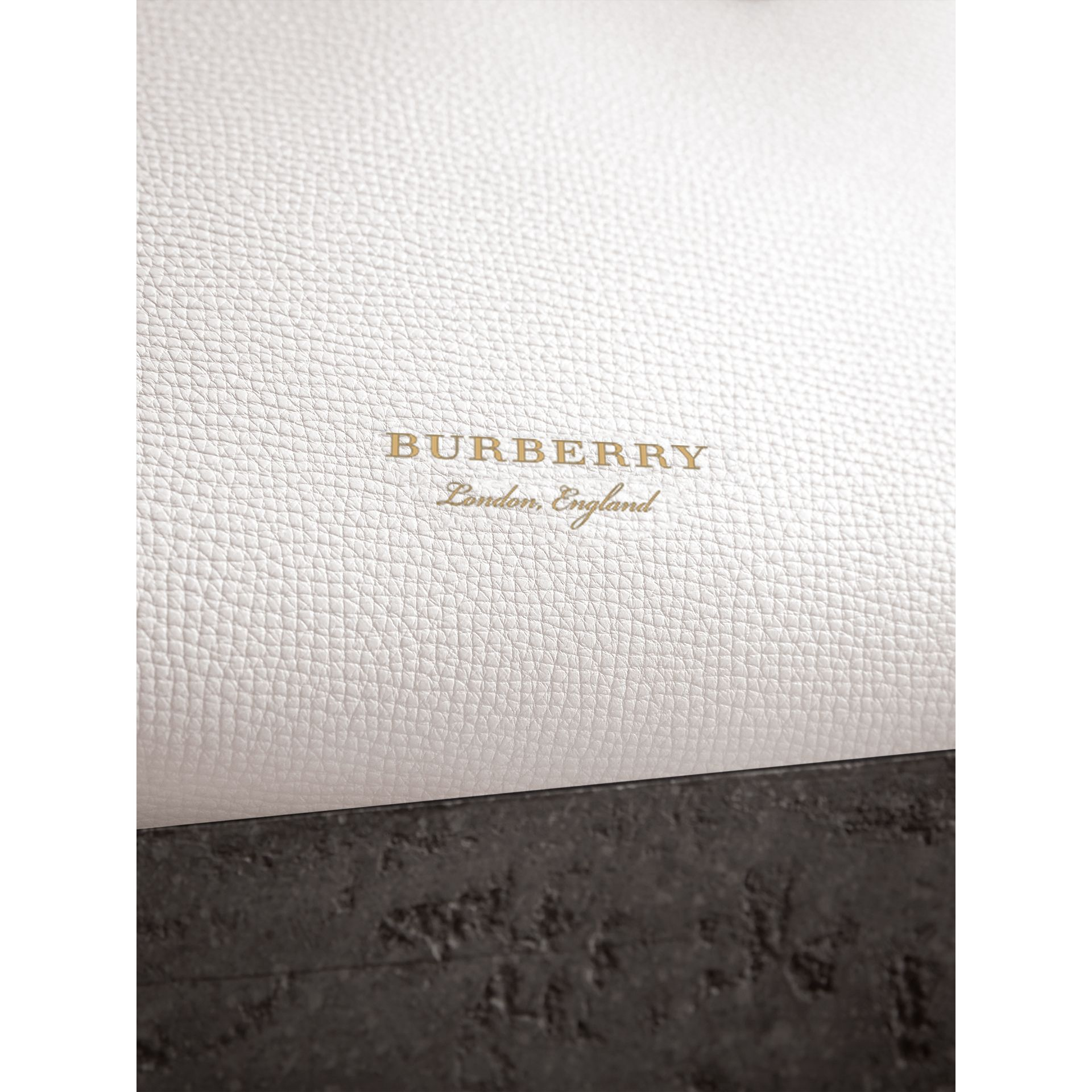 The Small Banner in Leather and House Check in Natural - Women | Burberry - gallery image 1
