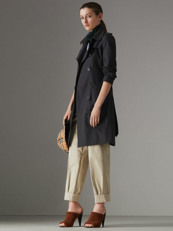 The Chelsea Heritage Trench Coat in Midnight