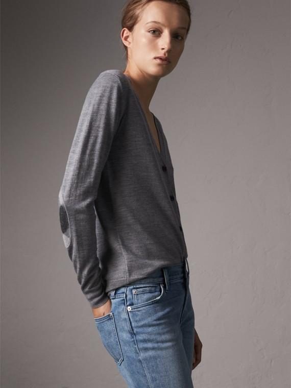 格紋細節設計美麗諾羊毛開襟針織衫 (中混合灰)