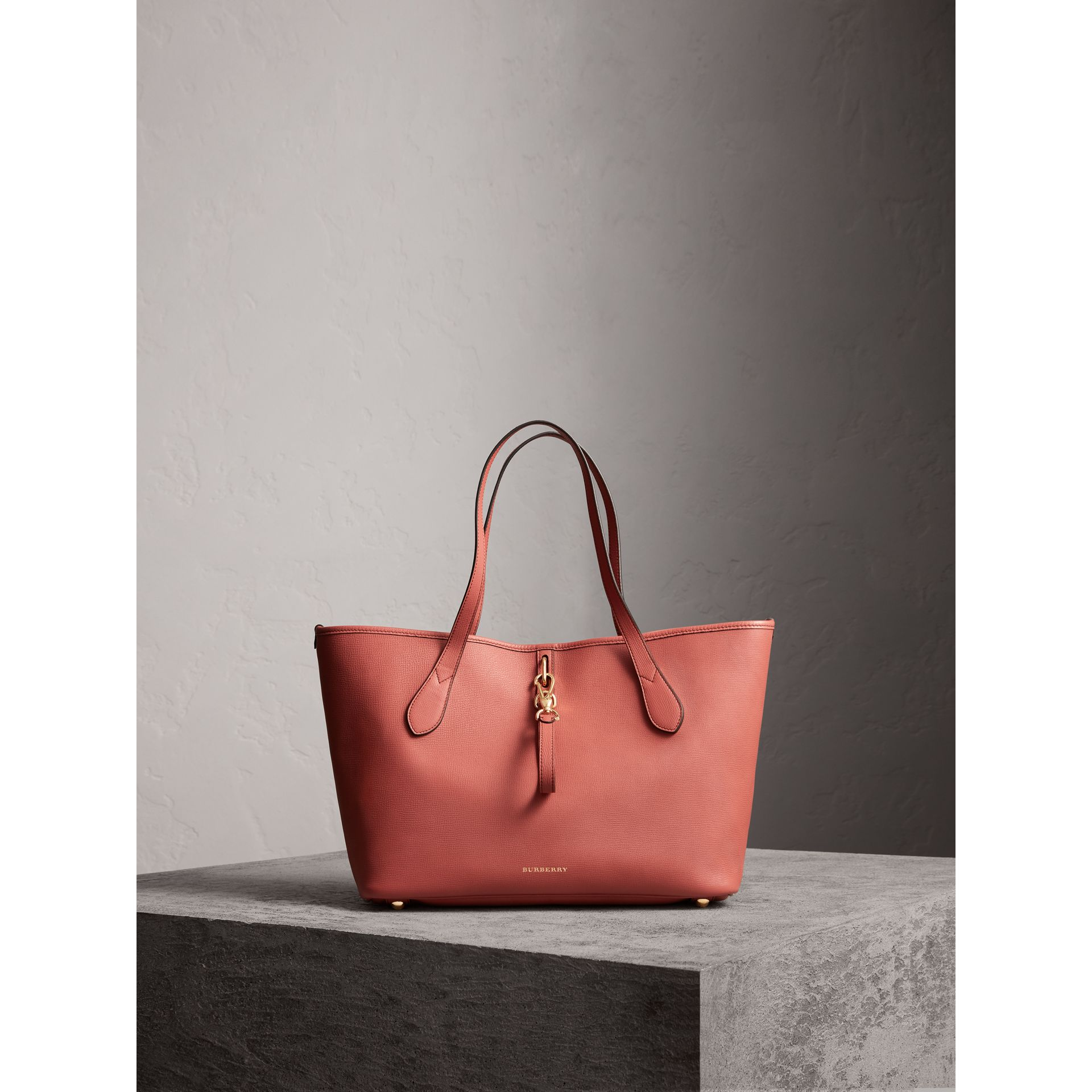 Medium Grainy Leather Tote Bag in Cinnamon Red - Women | Burberry - gallery image 7